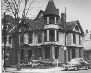 West Ave and 28th St: One of the many Victorian style homes that were demolished as downtown Newport News declined in the 50's-70's.